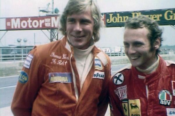 Image of racing drivers James Hunt and Niki Lauda.